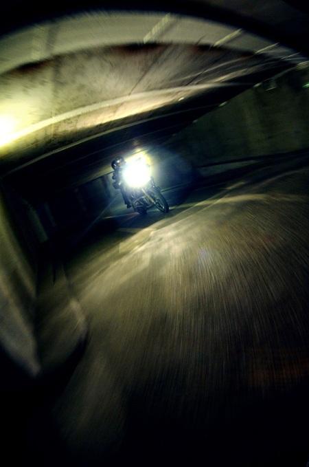 motorrad in der garage