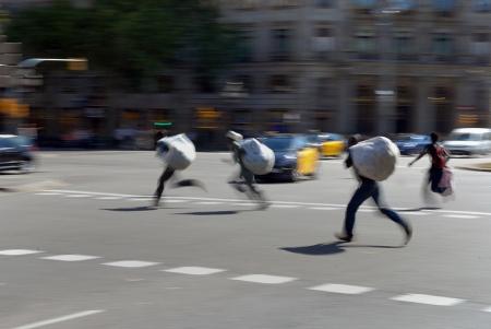murzynscy handlarze uciekajacy przed policja_1